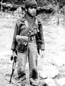 Niño soldado en Irak. Wikipedia.