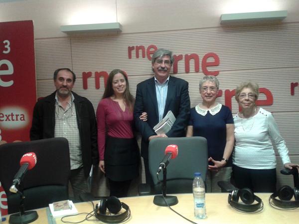 Foto para el recuerdo. De izquierda a derecha: Juan, Itzíar, Juán Fdz. Vegue, mi persona, y Carmen.